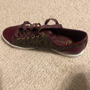 Michael Kors sneakers 7.5